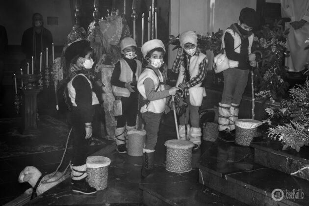 Galería fotográfica del belén viviente y misa de vigilia de Navidad 55