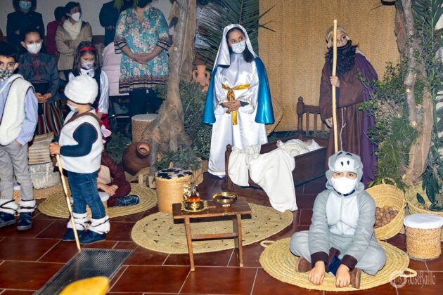 Galería fotográfica del belén viviente y misa de vigilia de Navidad 53