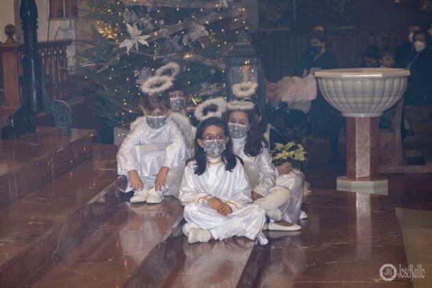 Galería fotográfica del belén viviente y misa de vigilia de Navidad 52