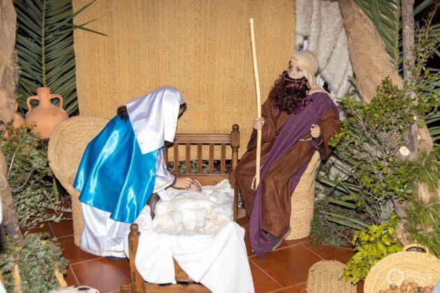 Galería fotográfica del belén viviente y misa de vigilia de Navidad 46