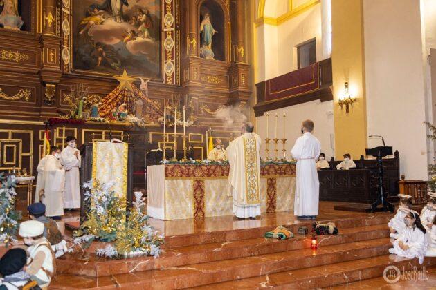 Galería fotográfica del belén viviente y misa de vigilia de Navidad 33