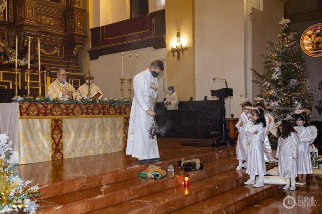 Galería fotográfica del belén viviente y misa de vigilia de Navidad 29