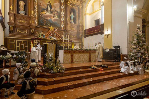 Galería fotográfica del belén viviente y misa de vigilia de Navidad 28