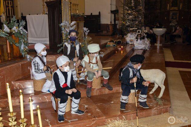 Galería fotográfica del belén viviente y misa de vigilia de Navidad 26