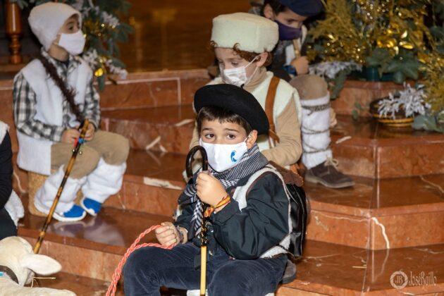 Galería fotográfica del belén viviente y misa de vigilia de Navidad 19