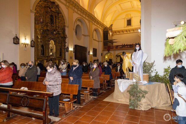 Galería fotográfica del belén viviente y misa de vigilia de Navidad 17