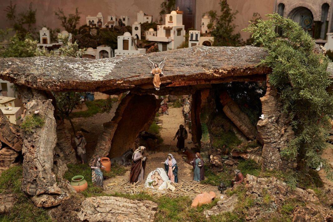 Inaugurada la Casita de la Navidad en la Sala de Exposiciones Agustín Úbeda 31