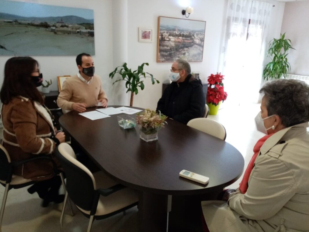 Herencia renueva el convenio con Cáritas y destaca su esfuezo en un año marcado por la pandemia 1