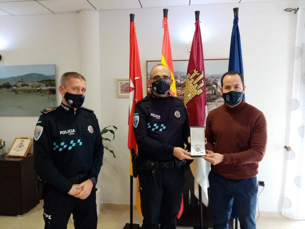 Medalla a la Permanencia al agente de Policía Local Jesús Fernández-Caballero 1