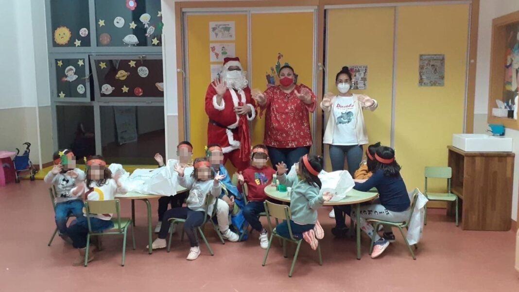 Papá Noel estuvo con los niños de la Ludoteca Municipal de Herencia 4