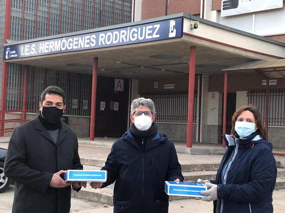 El AMPA Jesús Ruiz proporciona medidores de C02 para las aulas del IES Hermógenes Rodríguez 7