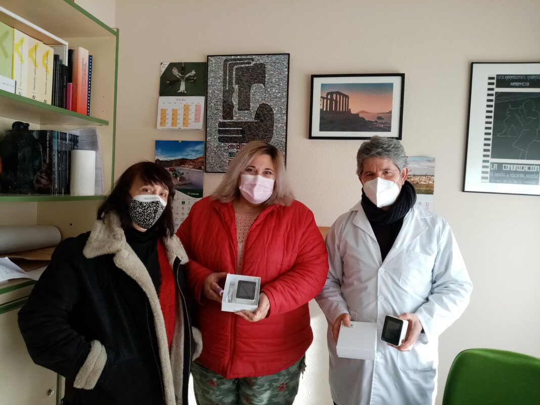 Ayuntamiento de Herencia entrega 14 medidores de CO2 entre los centros educativos del municipio 10