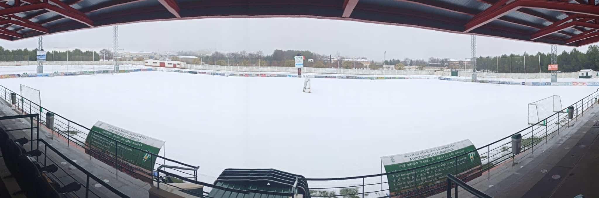 Nieve en el Estadio José María Fernández de la Puebla 6