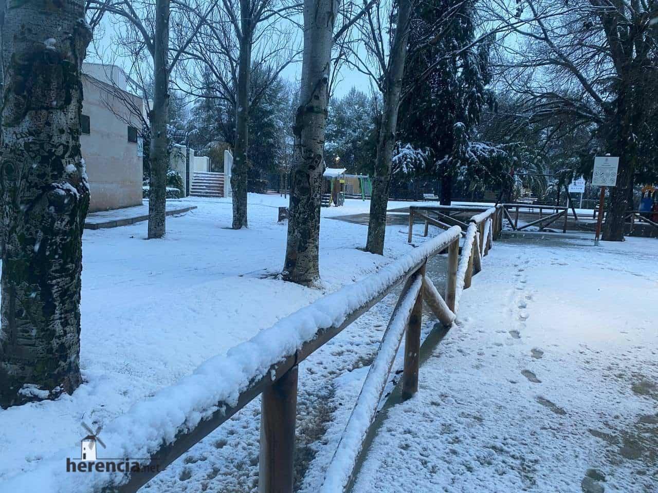Más fotografías de las nieves de 2021 en Herencia 130