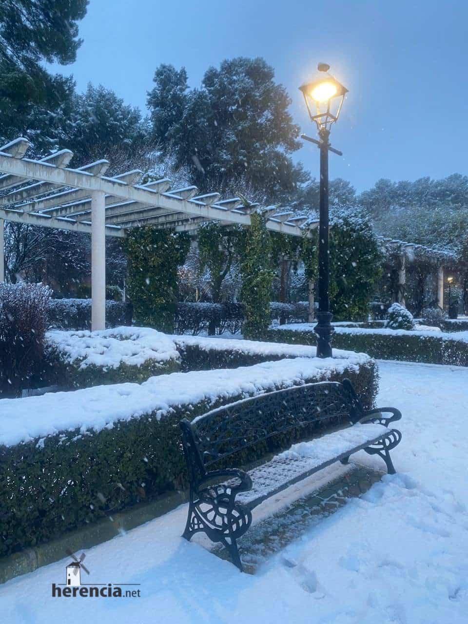 Más fotografías de las nieves de 2021 en Herencia 131