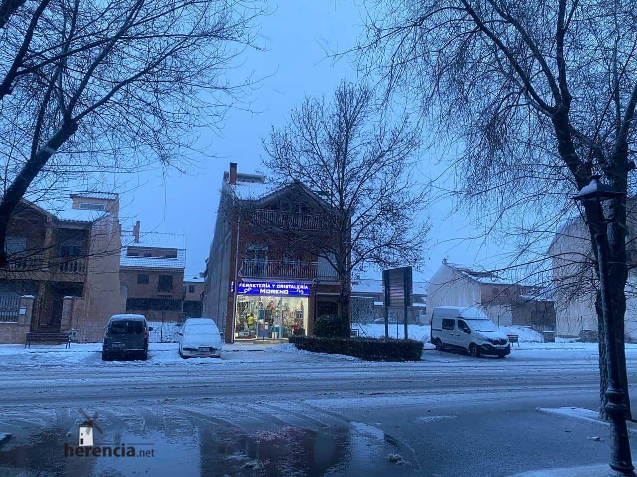 Más fotografías de las nieves de 2021 en Herencia 135