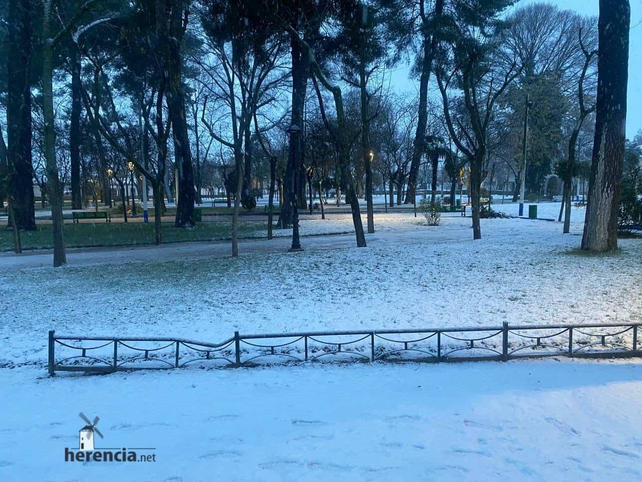 Más fotografías de las nieves de 2021 en Herencia 138