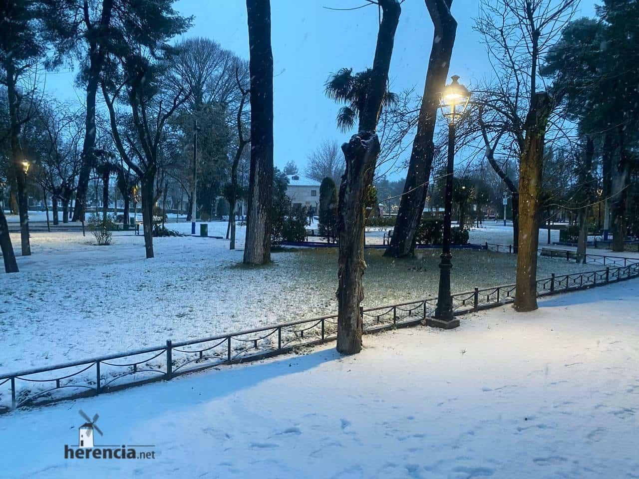 Más fotografías de las nieves de 2021 en Herencia 140