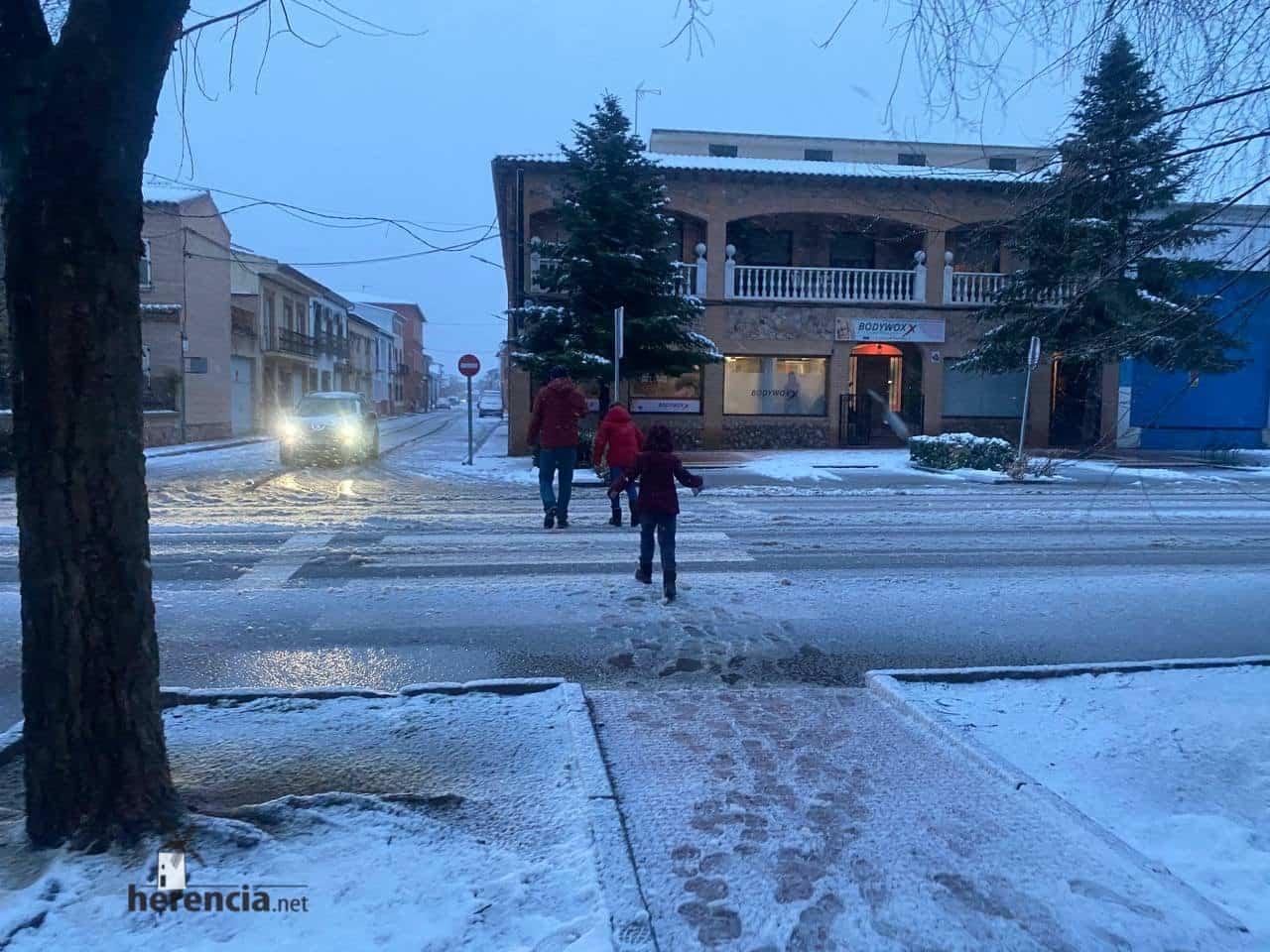 Más fotografías de las nieves de 2021 en Herencia 141