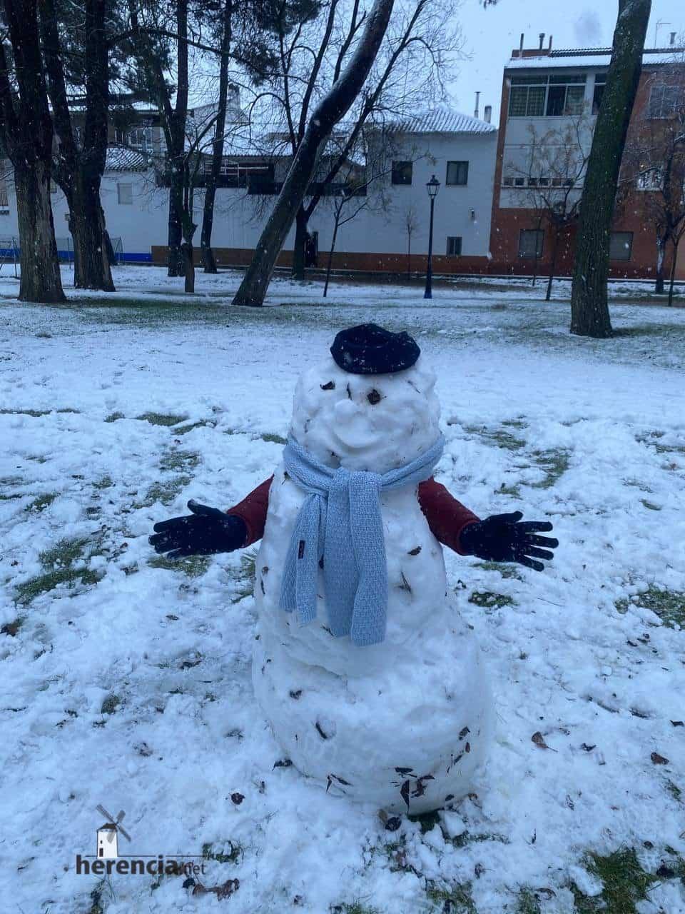 Más fotografías de las nieves de 2021 en Herencia 128