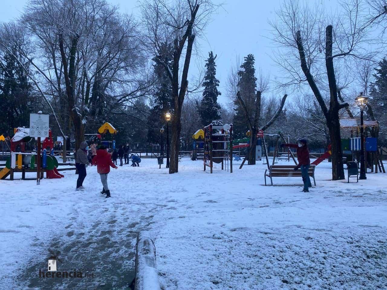 Más fotografías de las nieves de 2021 en Herencia 129