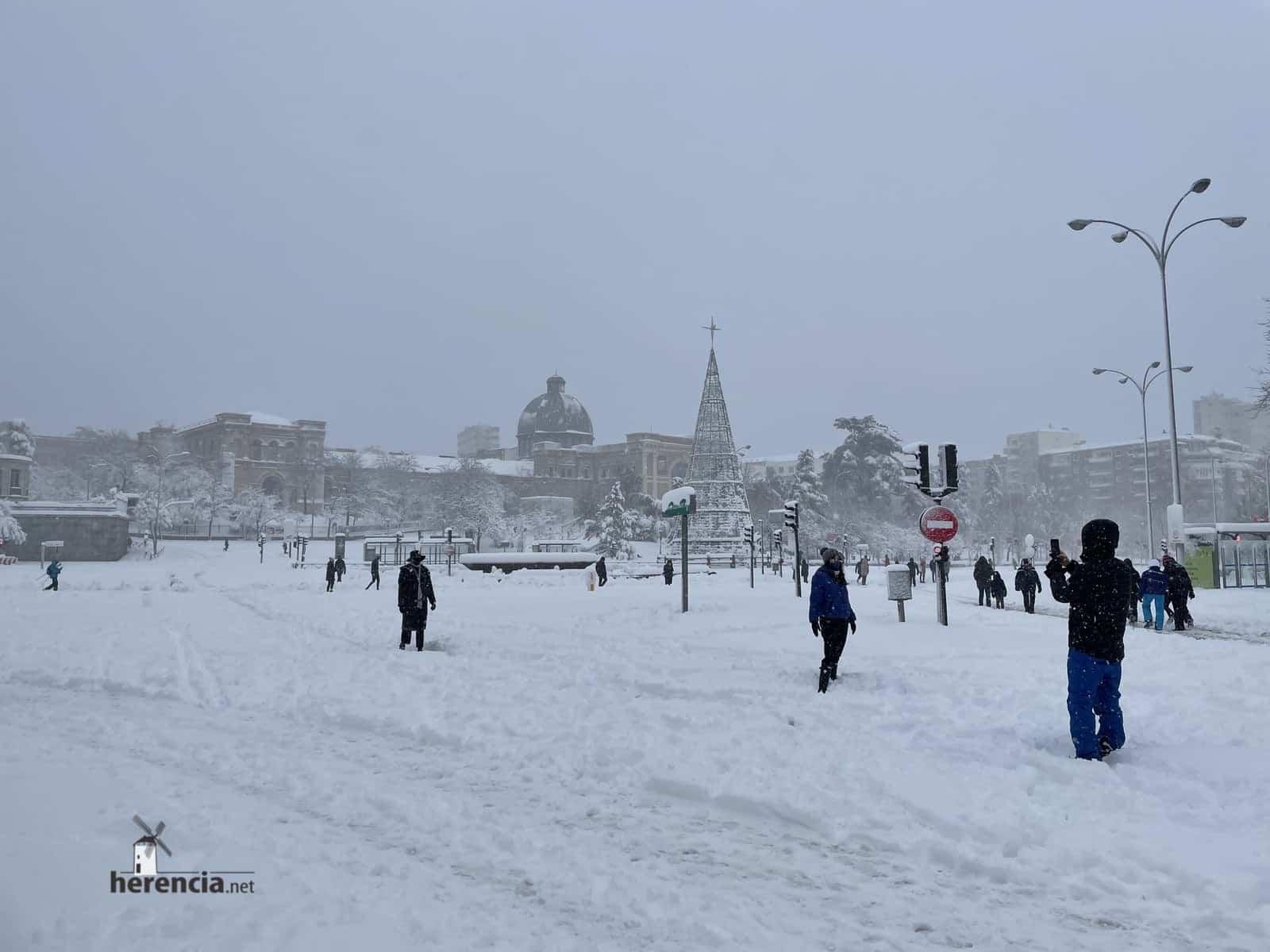 Más fotografías de las nieves de 2021 en Herencia 176