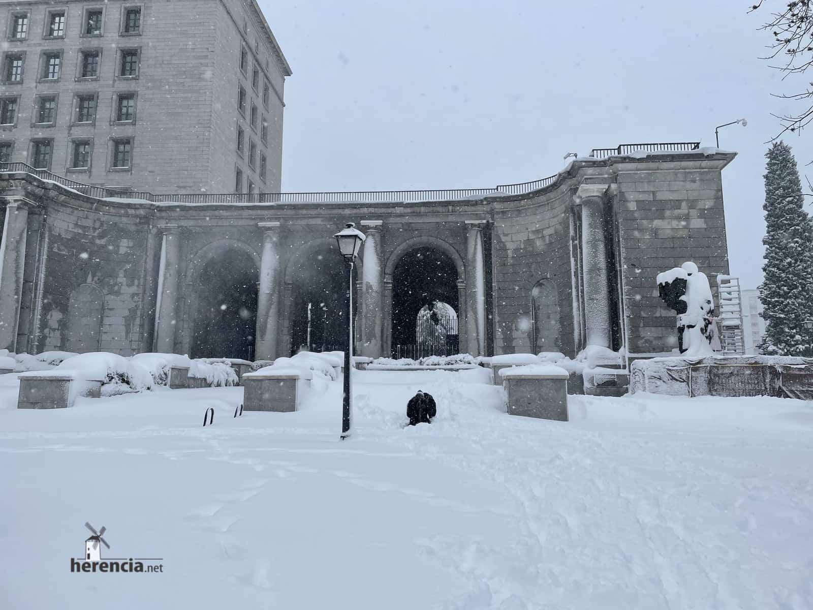Más fotografías de las nieves de 2021 en Herencia 175