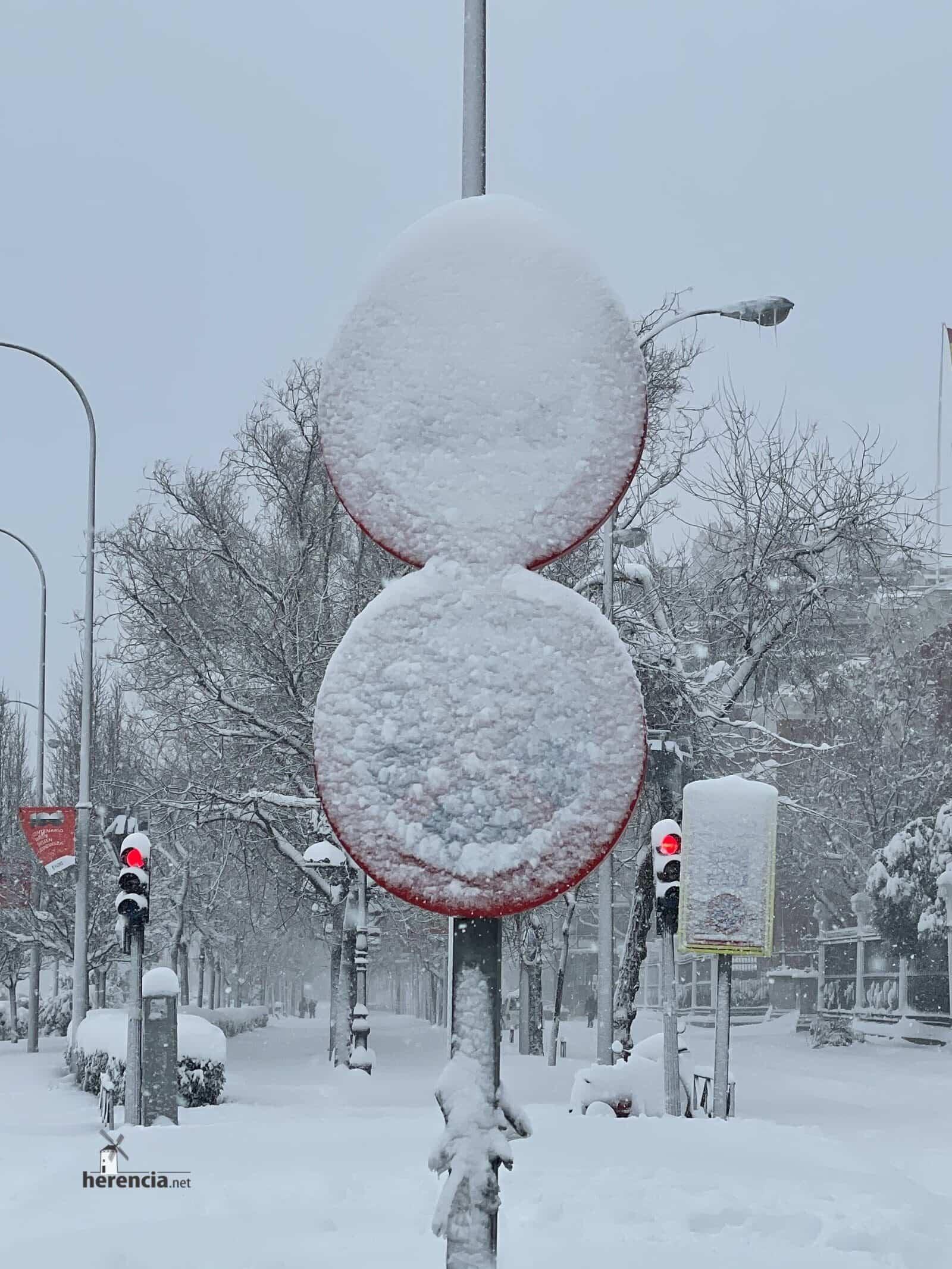 Más fotografías de las nieves de 2021 en Herencia 171