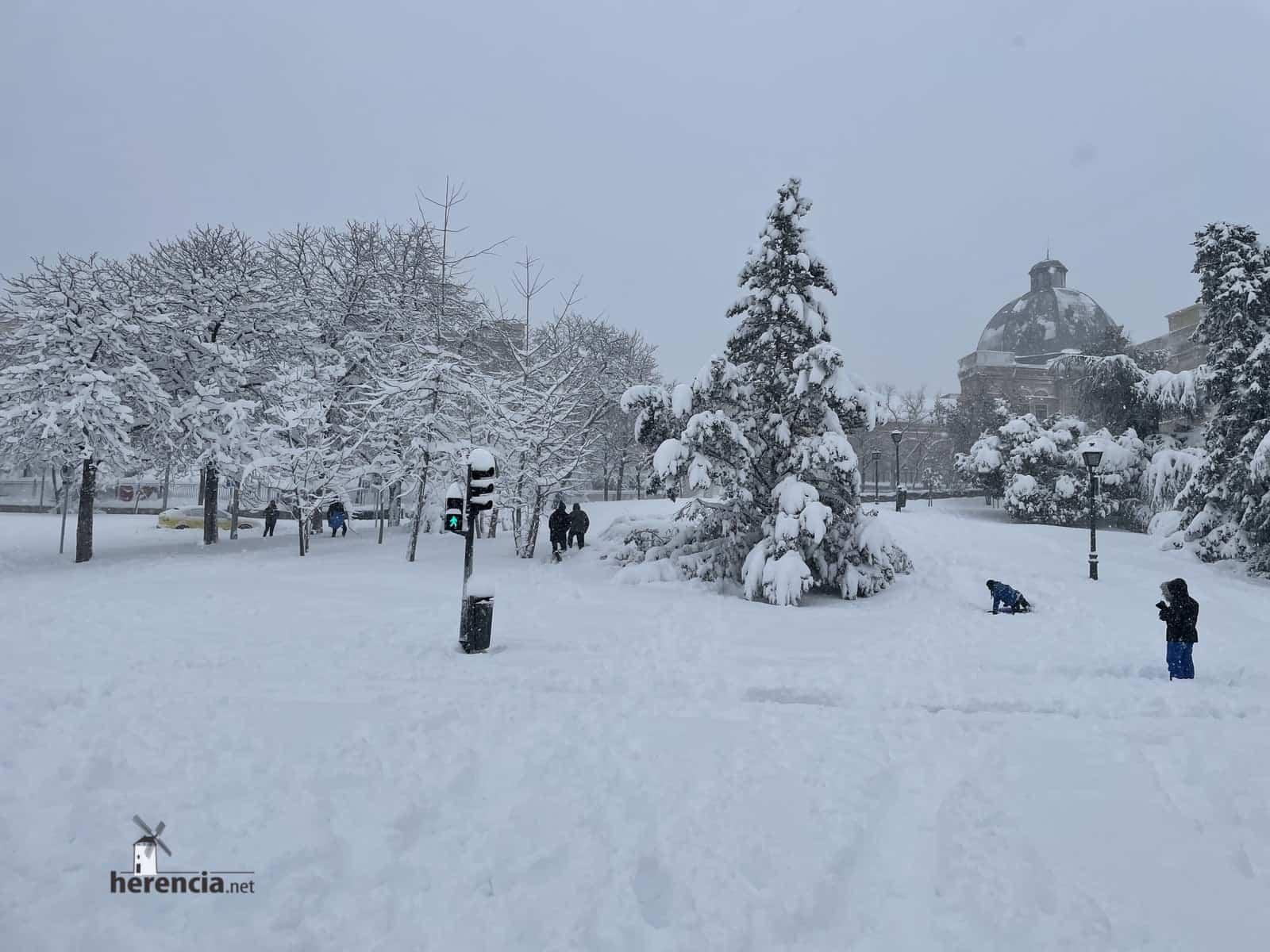 Más fotografías de las nieves de 2021 en Herencia 164