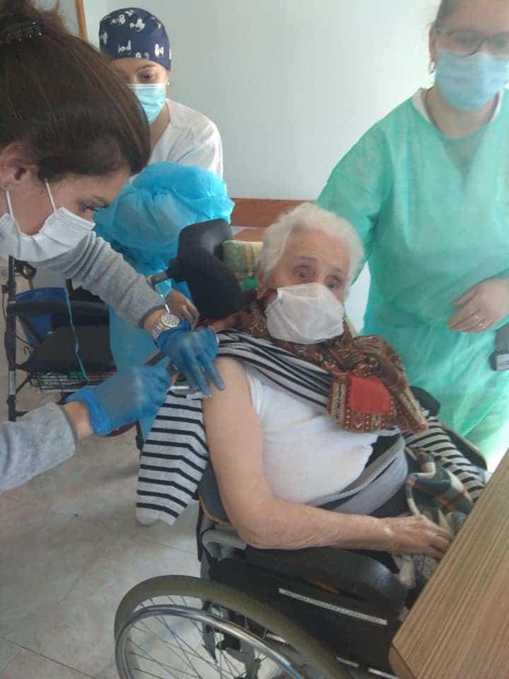 La Residencias en Herencia y el Carpe Diem reciben la vacuna contra el Covid-19 6