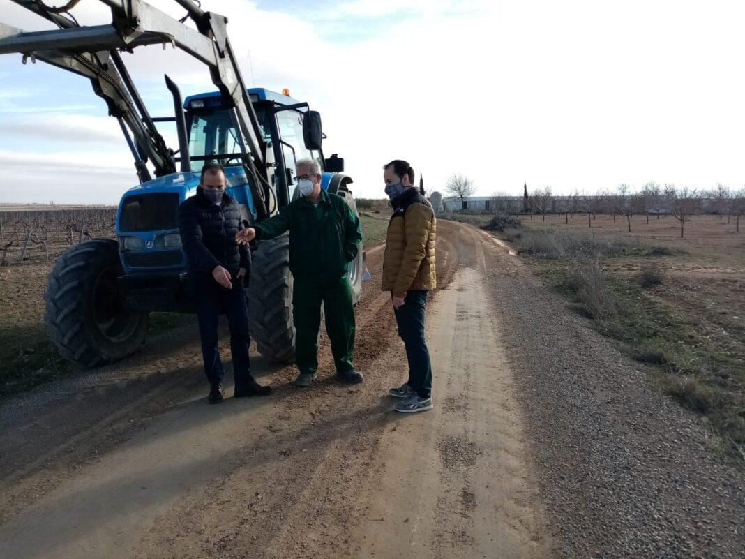 Herencia comienza la reparación de los caminos afectados por el temporal Filomena 4