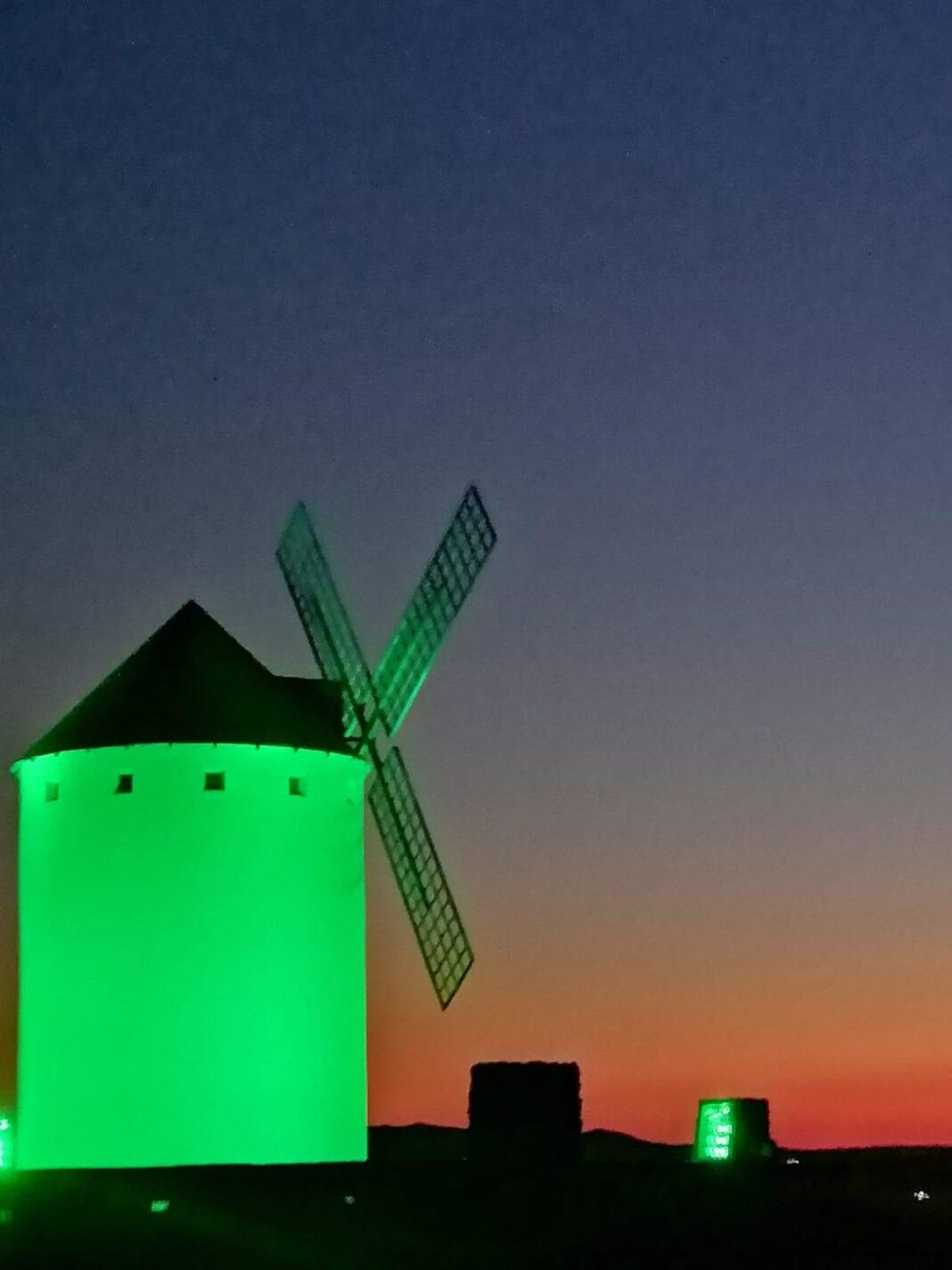 Herencia celebra el Día de La Tierra iluminandose de verde 1