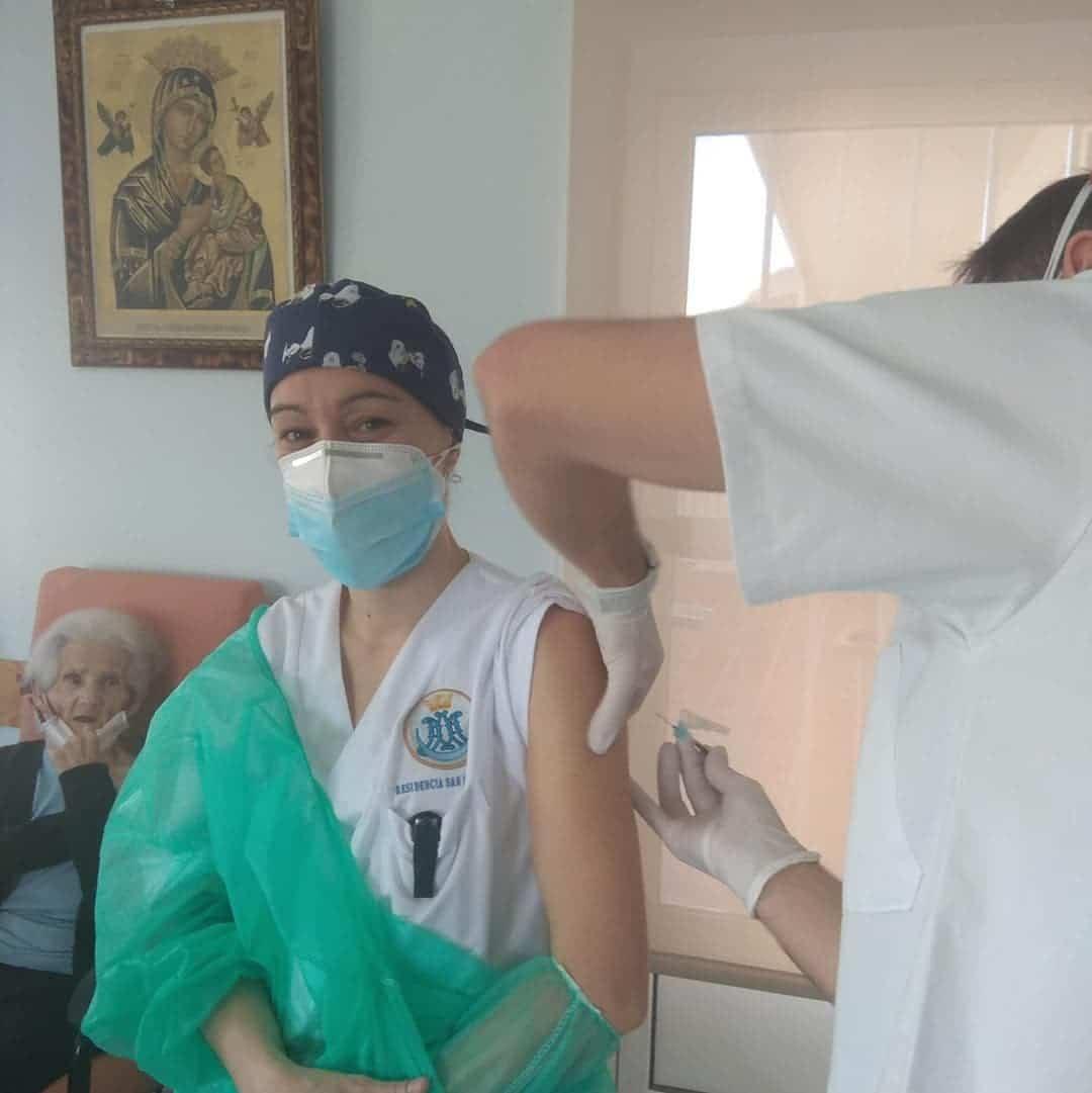 La segunda dosis de la vacuna contra el Covid-19 llega a Herencia 11