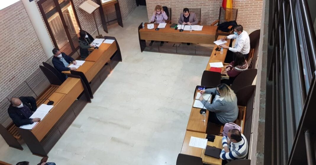 El Pleno aprueba por unanimidad tres propuestas de la Corporación Municipal 1