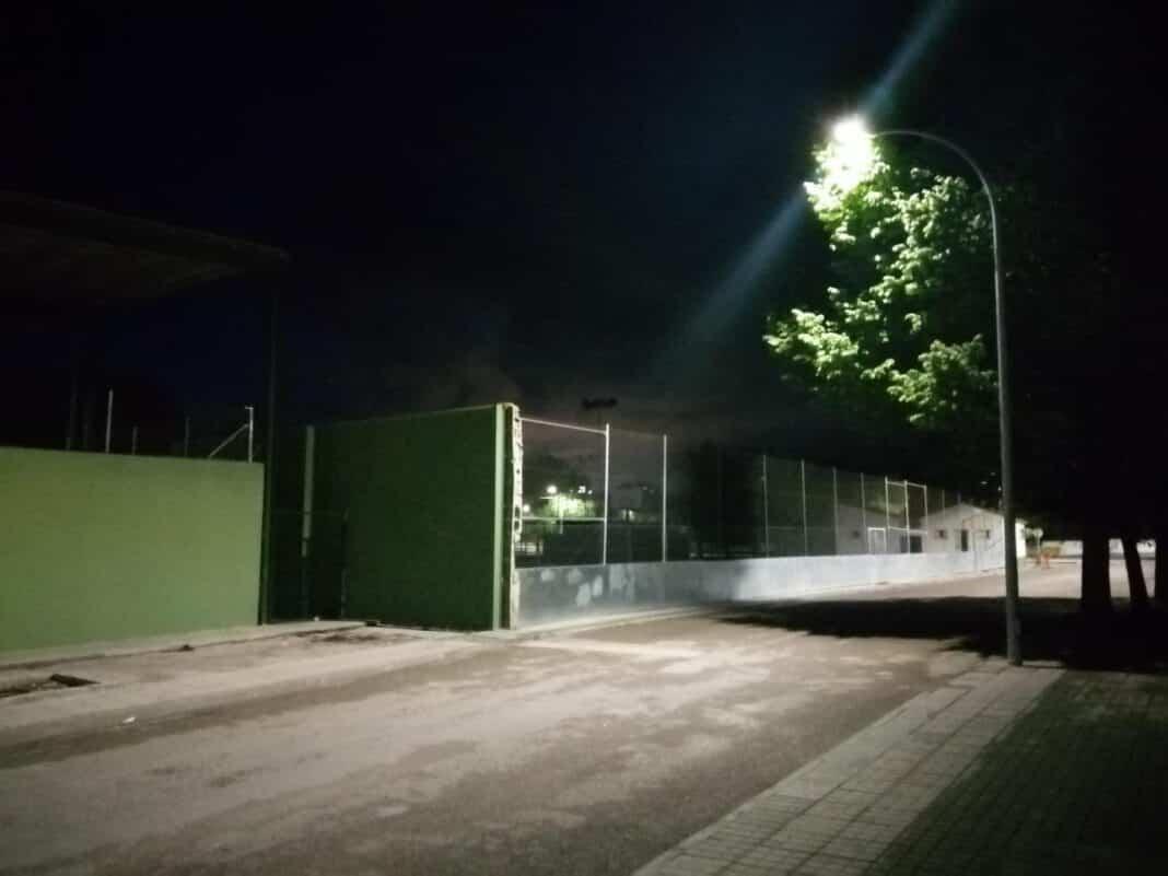 Mejoras en la iluminación en el entorno de las pistas de pádel de Herencia 1