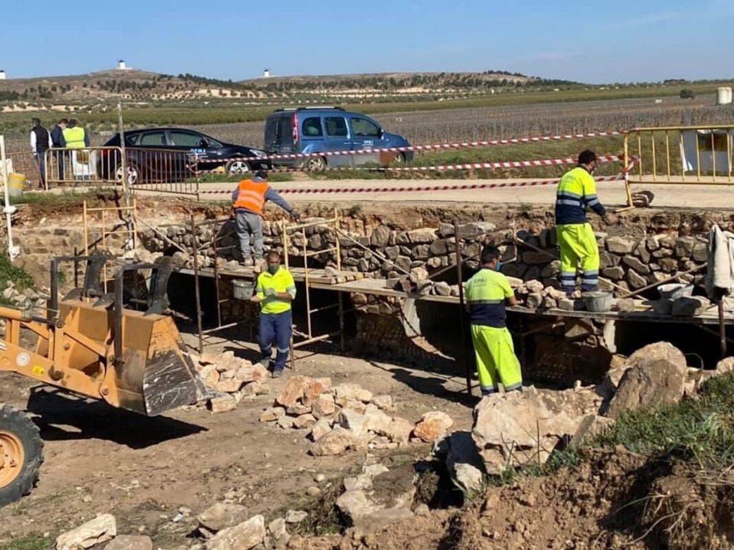 Las obras en el puente sobre el río Valdespino próximas a finalizar 7