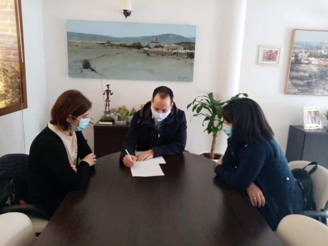 Reunión del alcalde con el AMPA del CEIP Carrasco Alcalde 1