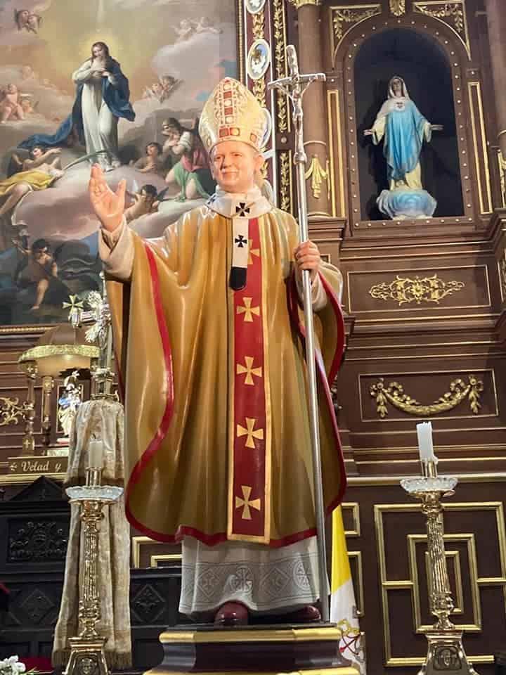 Una talla de san Juan Pablo II es donada a la parroquia de Herencia