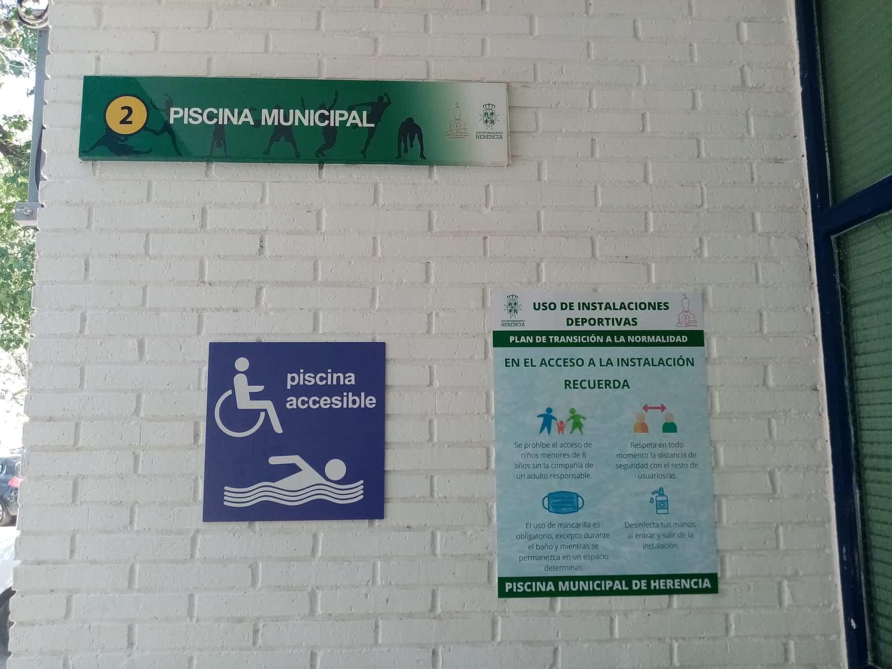 La Piscina Municipal de Herencia abre como un espacio 100% accesible 5