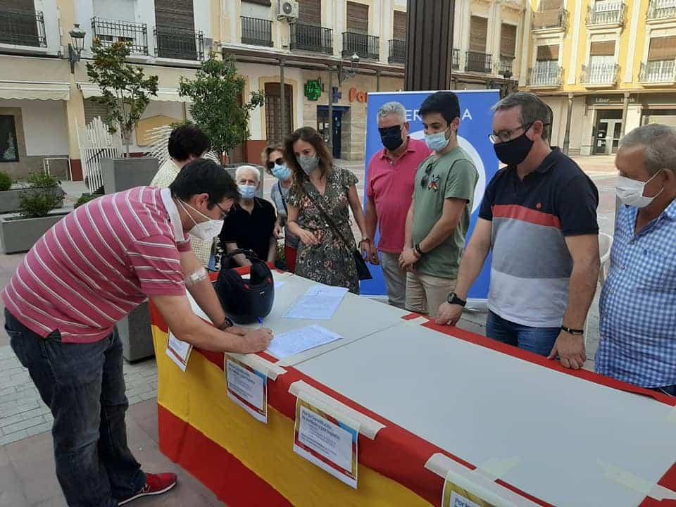 El PP de Herencia recoge firmas contra los indultos de Pedro Sánchez 3