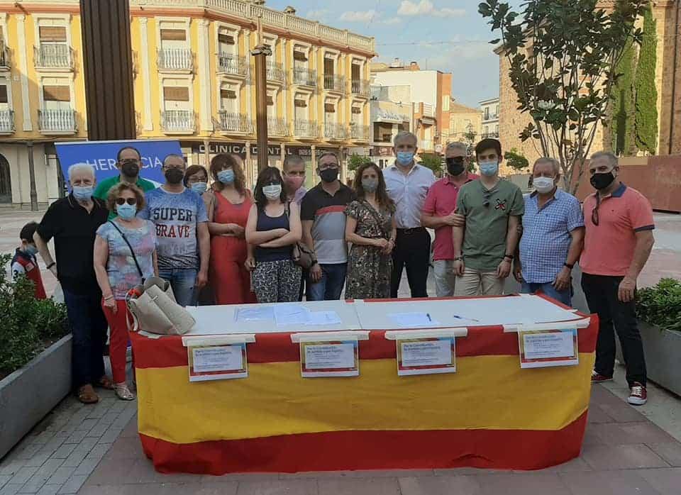 El PP de Herencia recoge firmas contra los indultos de Pedro Sánchez 4