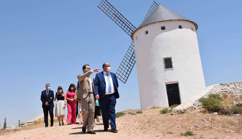 Vicepresidente de Castilla-La Mancha visitó la segunda ampliación del polígono industrial de Herencia 13