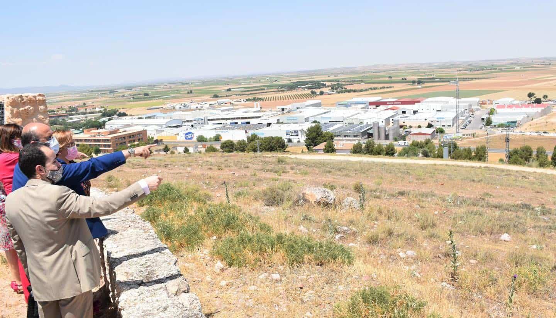 Vicepresidente de Castilla-La Mancha visitó la segunda ampliación del polígono industrial de Herencia 15