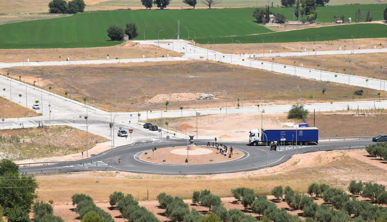 Vicepresidente de Castilla-La Mancha visitó la segunda ampliación del polígono industrial de Herencia 14