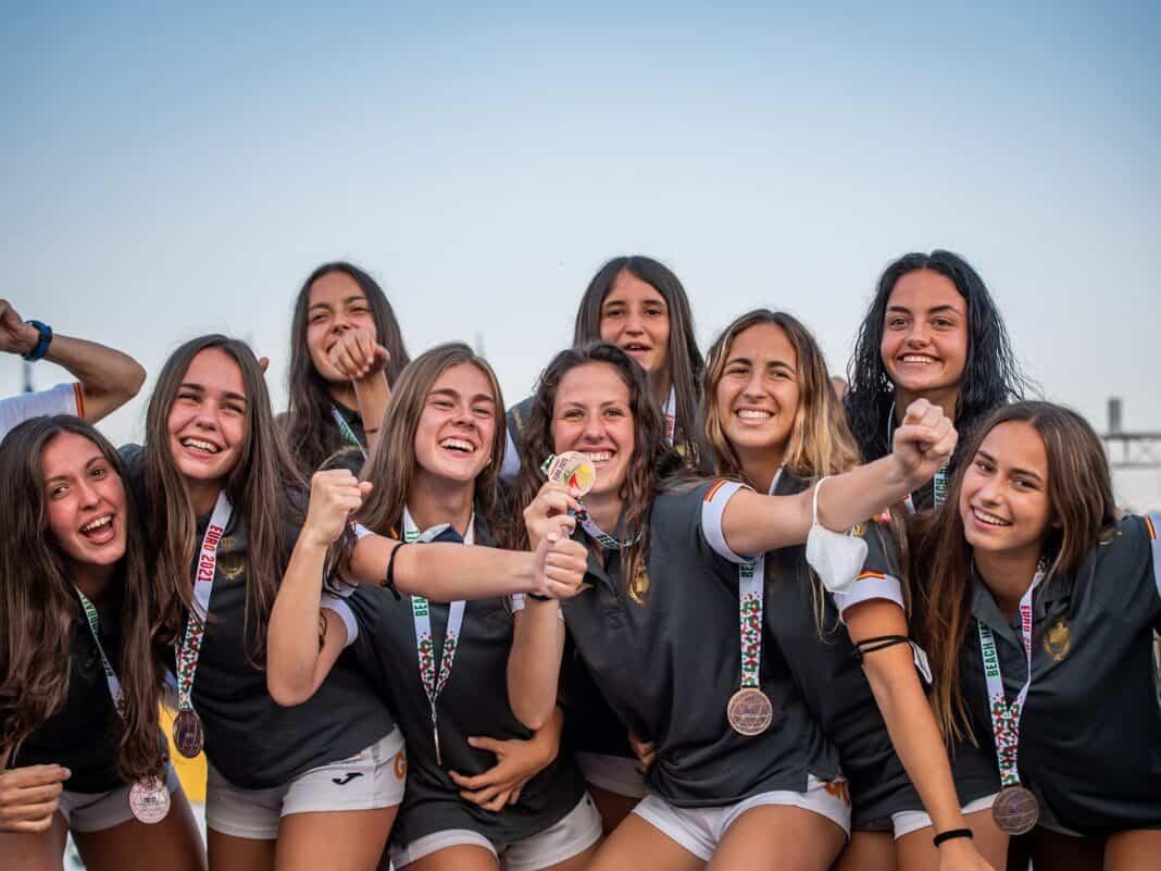 La herenciana Paula Moya bronce con la Selección Española de Balonmano Playa bronce Europeo celebrado en Varna 1