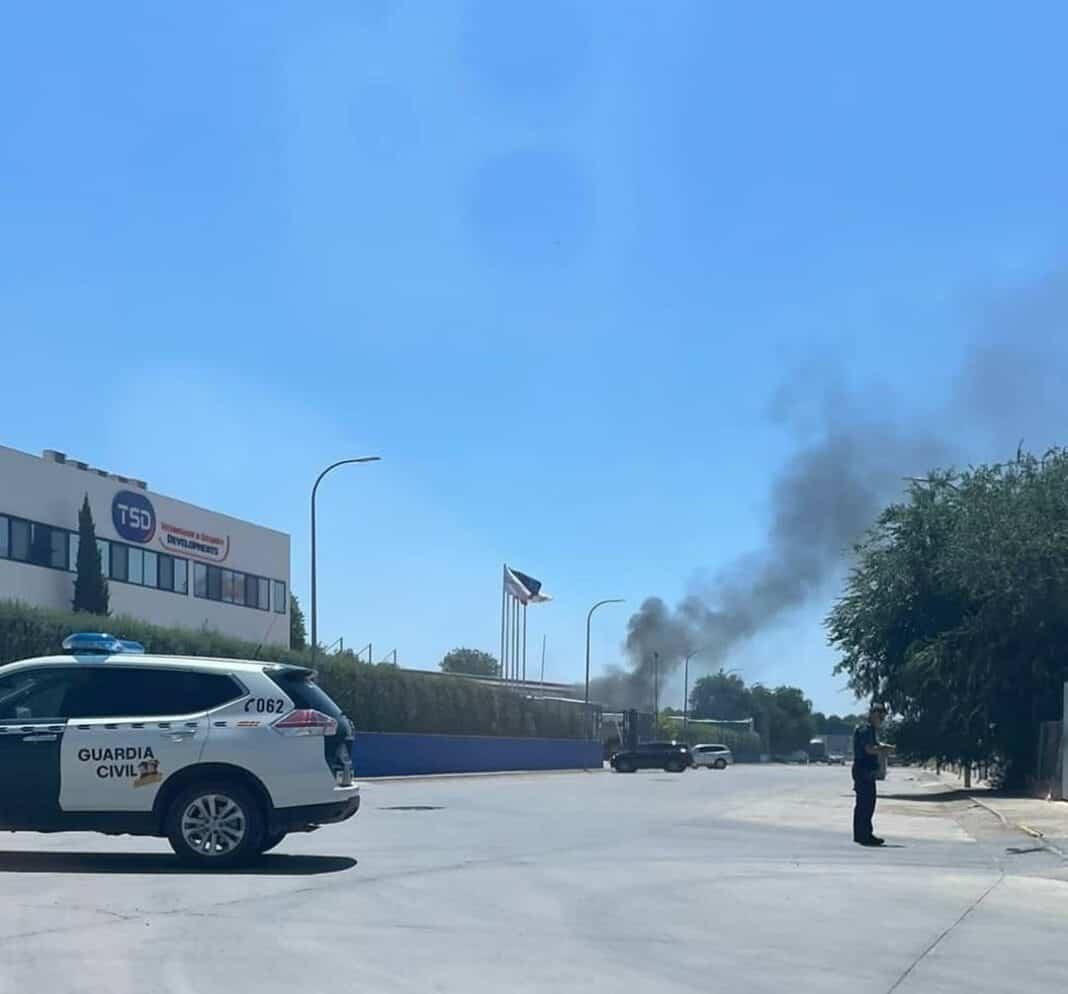 Incendio en una planta de TSD Technology & Security Developments en Herencia 1