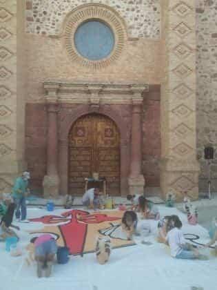 Galería de imágenes de la alfombra Xacobea realizada por la hermandad de Jesús de Medinaceli 4