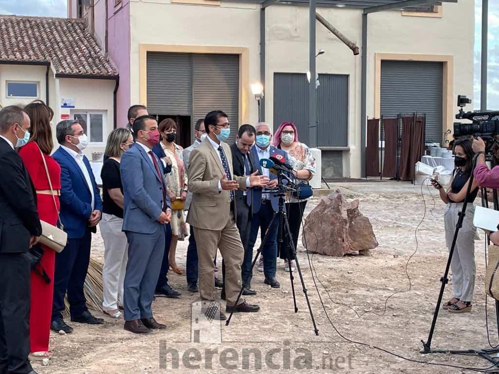 Galería de fotografías de la inauguración de Quhesalia en Herencia 25
