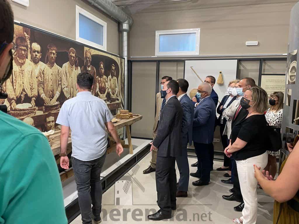 Galería de fotografías de la inauguración de Quhesalia en Herencia 30