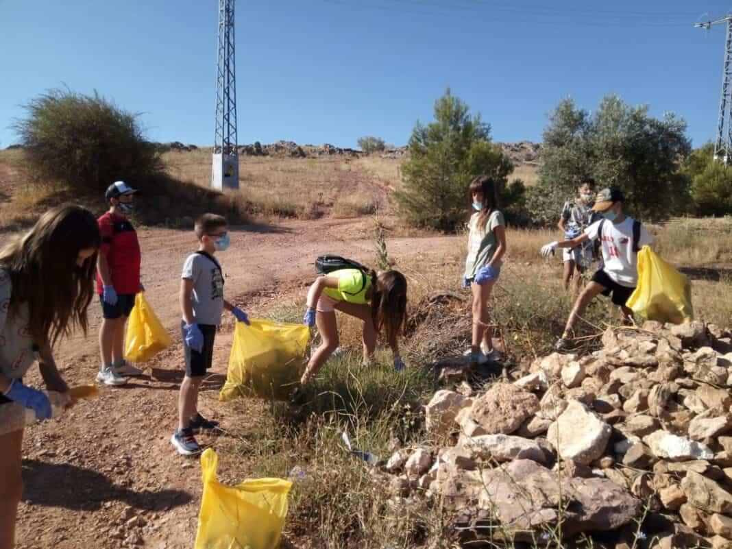 Segundo día de voluntariado medioambiental en Herencia 4